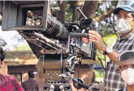 बंगाल में टीवी धारावाहिकों, वेब सीरीज, फिल्मों की शूटिंग पर लगी रोक