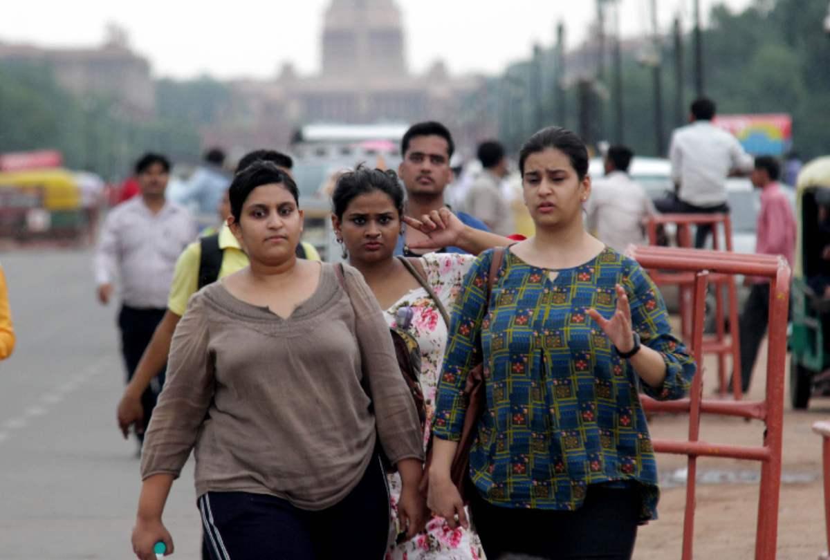 दिल्ली में अधिकतम तापमान 34 डिग्री सेल्सियस दर्ज किया गया, हवा की गुणवत्ता खराब श्रेणी में रही