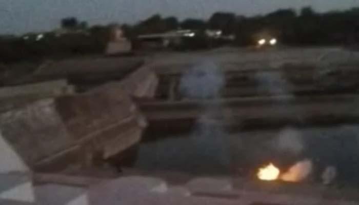 क्षिप्रा नदी के पानी में हुए कुछ धमाके, धुआं निकलने के साथ-साथ दिखी चमकदार रोशनी