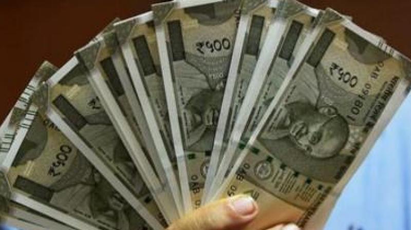 रुपया छह पैसे की तेजी के साथ करीब पांच माह के उव्व ज्स्तर 72.99 रुपये प्रति डॉलर पर