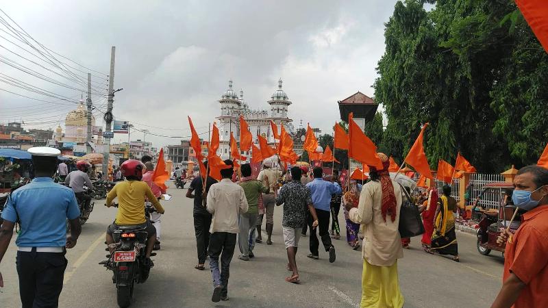 नेपाल के प्रधानमंत्री आवास के बाहर प्रदर्शन करने पर कार्यकर्ताओं को हिरासत में लिया गया