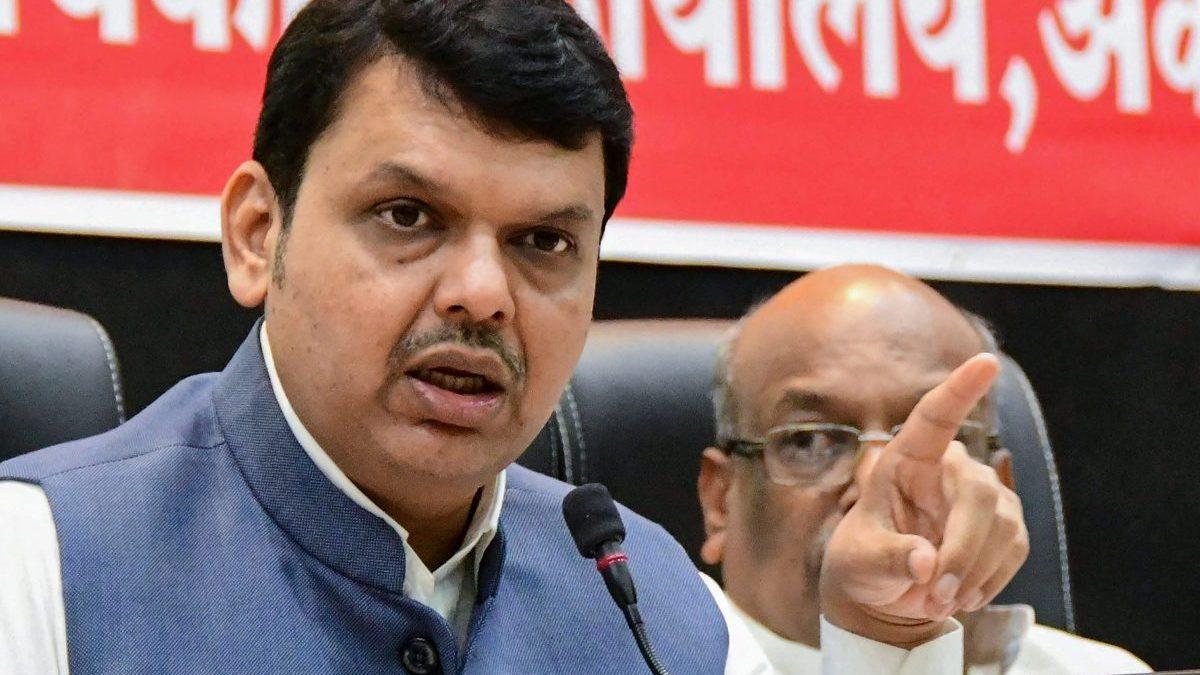 महाराष्ट्र : कोविड केंद्रों की निविदा प्रक्रिया में कथित भ्रष्टाचार के खिलाफ भाजपा का प्रदर्शन
