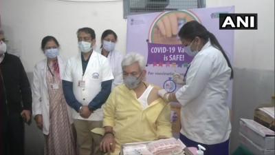 दिल्ली और जम्मू-कश्मीर के उपराज्यपालों ने लगवाया कोविड-19 का टीका