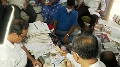 ओडिशा में ओएसएससी सदस्य के निजी सचिव के पास 3.79 करोड़ रुपये की संपत्ति बरामद