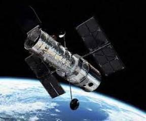 हब्बल अंतरिक्ष दूरबीन ने बृहस्पति के चंद्रमा गैनीमेड पर जलवाष्प की मौजूदगी का प्रथम साक्ष्य जुटाया