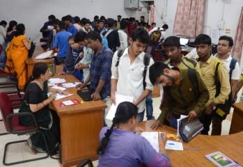 पश्चिम बंगाल में इस साल कॉलेजों में ऑनलाइन माध्यम से होंगे दाखिले