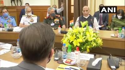 हैदराबाद हाउस में राजनाथ सिंह व अमेरिकी रक्षामंत्री मार्क एस्पर की मुलाकात शुरू