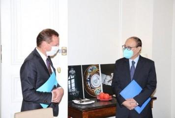 हर्षवर्धन श्रृंगला ने फ्रांसीसी राजनयिक से मुलाकात की; सुरक्षा सहित विभिन्न मुद्दों पर पर चर्चा की
