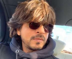 शाहरुख खान  ने फिर किया अपने माता-पिता को याद, दिल्ली पहुंचकर किया ये काम