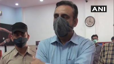 हरियाणा रोहतक में एक उद्योगपति की मदद से 50 बेड के कोविड सेंटर को खोला गया