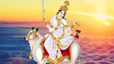 नवरात्रि के पहले दिन करें मां शैलपुत्री की पूजा, जानें विधि