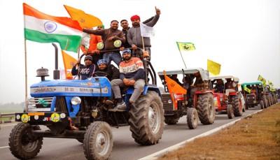 दिल्ली-कटरा एक्सप्रेस वे : विरोध में किसानों ने पंजाब में निकाला ट्रैक्टर मार्च