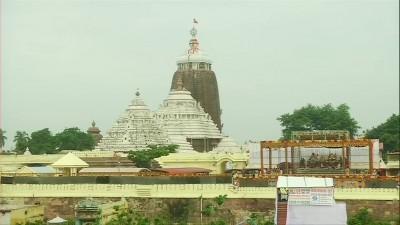 पुरी के जगन्नाथ मंदिर में भगवान जगन्नाथ की देवस्नान पूर्णिमा मनाई