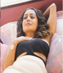 नेहा कक्कड़ ने शेयर की अपनी हॉट फोटो, पति रोहनप्रीत सिंह ने कही यह बात