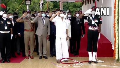 मुख्यमंत्री एम.के. स्टालिन ने 75वें स्वतंत्रता दिवस के मौके पर चेन्नई में राष्ट्रीय ध्वज फहराया।