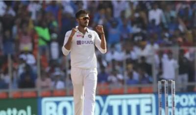 पटेल ने इंग्लैंड को दिये शुरूआती दोहरे झटके, लंच तक तीन विकेट पर 74 रन