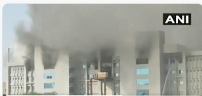 भारतीय सीरम संस्थान के परिसर में आग लगी, तीन लोगों को बाहर निकाला गया