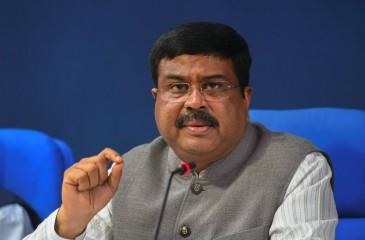 भारत ने पेट्रोल में 20 प्रतिशत एथनॉल मिलाने का लक्ष्य 5 साल कम कर 2025 किया