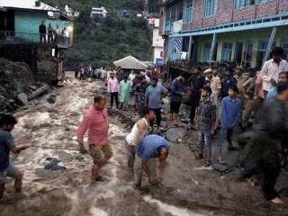 जम्मू-कश्मीर के गांव में बादल फटा : तलाश अभियान जारी