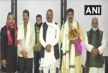 बिहार में बसपा विधायक जद(यू) में शामिल हुए, निर्दलीय ने भी समर्थन जताया