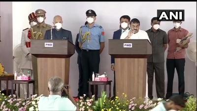एमके स्टालिन ने तमिलनाडु के मुख्यमंत्री के तौर पर शपथ ली