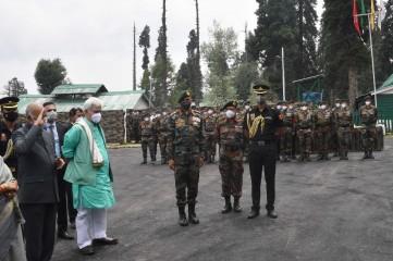 करगिल विजय दिवस : सेना ने द्रास युद्ध स्मारक पर अपने सैनिकों को श्रद्धांजलि दी