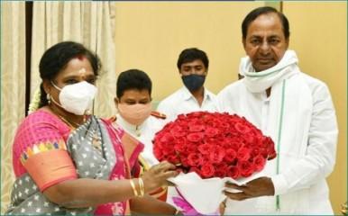 तेलंगाना की राज्यपाल, केसीआर ने दी प्रधानमंत्री को जन्मदिन की शुभकामनाएं