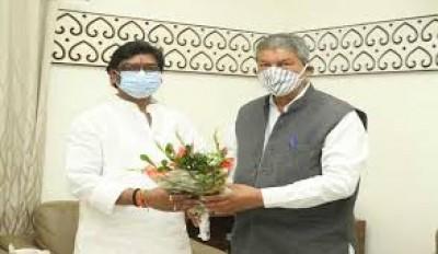 हेमंत सोरेन से उत्तराखंड के पूर्व मुख्यमंत्री हरीश रावत ने शिष्टाचार मुलाकात की