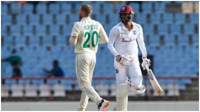 क्षिण अफ्रीका ने वेस्टइंडीज को 324 रन का लक्ष्य दिया