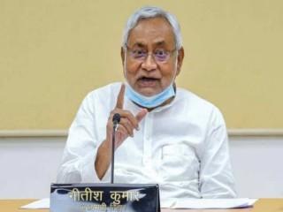 नीतीश ने नेपाल एवं गंडक नदी के जलग्रहण क्षेत्रों भारी बारिश के मद्देनजर सतर्क रहने को कहा