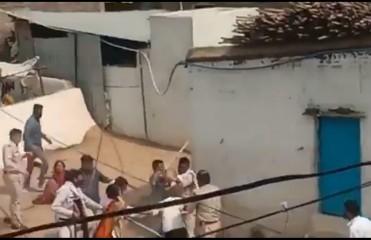 कोविड-19 मरीज के परिजनों ने किया हमला, तीन पुलिसकर्मी एवं दो स्वास्थ्यकर्मी घायल