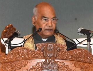 राष्ट्रपति ने विश्वविद्यालय के दीक्षांत समारोह में कश्मीरी भाषा में किया श्रोताओं का अभिवादन