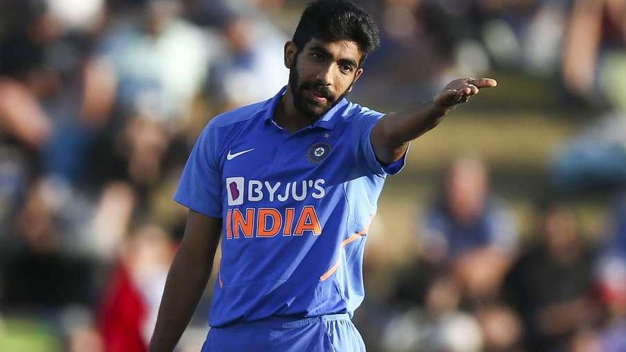 वर्ल्ड क्रिकेट में यॉर्कर किंग के नाम से मशहूर जसप्रीत बुमराह ने अपनी जगह श्रीलंका के तेज गेंदबाज