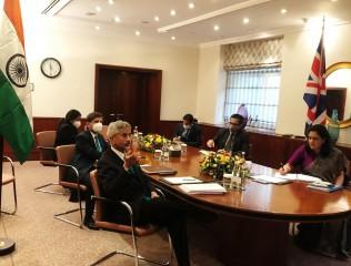 भारत के विदेश मंत्री जयशंकर और ब्रिटिश विदेश मंत्री राब की मुलाकात में मुक्त व्यापार समझौते को लेकर जोर
