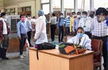 कर्नाटक में उपचाराधीन मरीजों की संख्या चार लाख से अधिक, तमिलनाडु में 147 लोगों की मौत