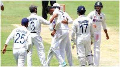 भारत के सामने 328 रन का लक्ष्य