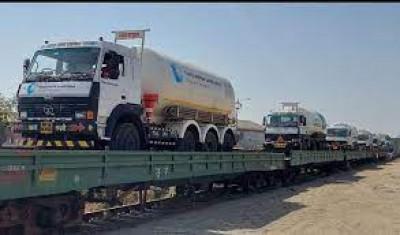 गुजरात से 85 मीट्रिक टन ऑक्सीजन के साथ गुरुग्राम के लिए ऑक्सीजन एक्सप्रेस रवाना