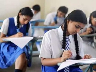 गोवा के स्कूलों में शनिवार से दसवीं और बारहवीं की कक्षाएं लगने लगीं