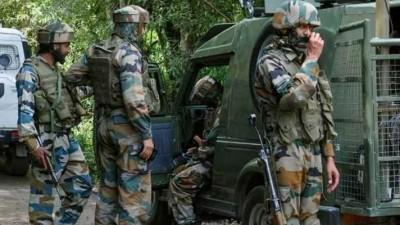 कश्मीर : सुरक्षा बलों के साथ मुठभेड़ में दो आतंकवादी ढेर