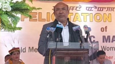 मणिपुर के मुख्यमंत्री ने लोगों से कोविड-19 रोधी टीका लगवाने की अपील की