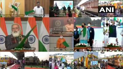 पीएम मोदी 8 नई ट्रेनों को दिखाई हरी झंडी, सभी ट्रेन स्टेच्यू ऑफ यूनिटी के लिए होगी रवाना