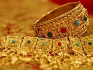 सोना 663 रुपये, चांदी में 1,321 रुपये की तेजी