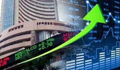 शुरुआती गिरावट से उबरा बाजार, बैंक, रिलायंस के शेयरों में तेजी से सेंसेक्स 230 अंक चढ़ा