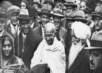 दक्षिण अफ्रीका : गांधी के करीबी सहयोगी के रंगभेद विरोधी अभियान को समर्पित किताब का विमोचन