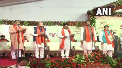 गुजरात में 24 मंत्रियों ने शपथ ली, पटेल के मंत्रिमंडल में शामिल नेताओं की संख्या हुई 25
