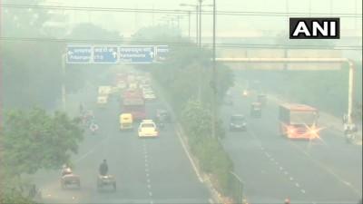 """दिल्ली में वायु गुणवत्ता """"बेहद खराब"""" श्रेणी में दर्ज की गई"""