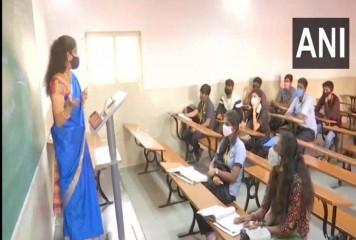 ओडिशा : 10वीं और 12वीं कक्षा के विद्यार्थियों के लिए स्कूल फिर से खुले