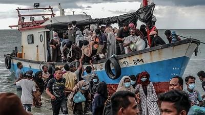 भोजन, पानी के बिना रोहिंग्या शरणार्थियों को लेकर भटक रही है नौका : संयुक्त राष्ट्र