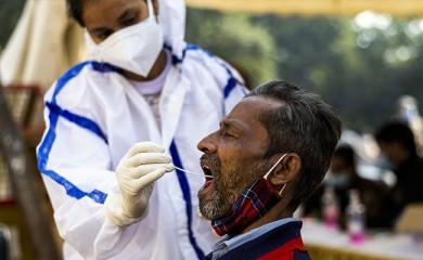महाराष्ट्र में मंत्री के मंदिर दौरे के बाद, 19 व्यक्ति कोविड-19 संक्रमित पाये गए