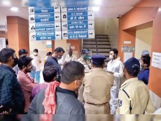 कोविड-19 : इंदौर में मरीज को बिस्तर नहीं मिलने पर परिजन आक्रोशित, अस्पताल में तोड़-फोड़